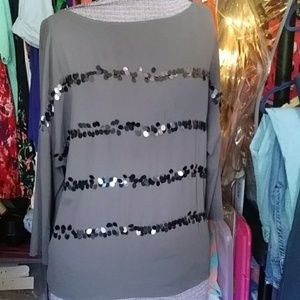 Loft tunic Style gray top with large sequins